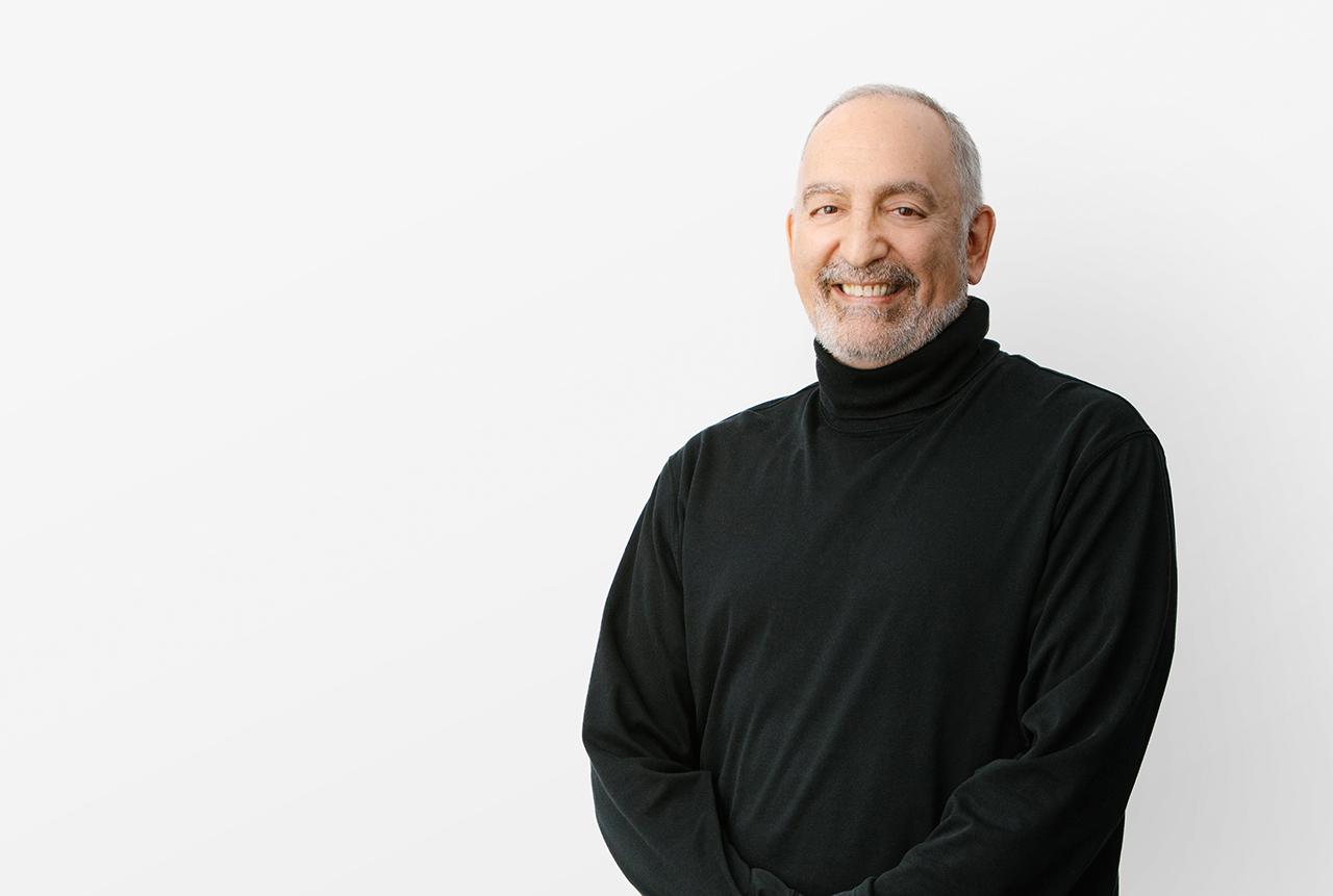 Portrait of Henriquez team member, Daniel Rodriguez, Associate.
